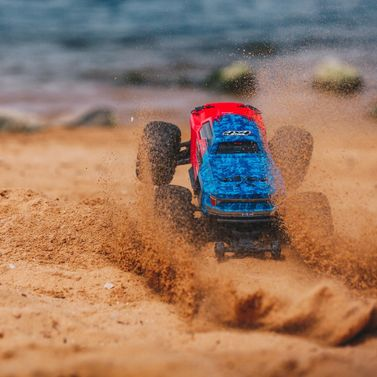 ARRMA Granite Elektro Brushless Monster Truck 4WD 1:10 RTR 3S rot/blau
